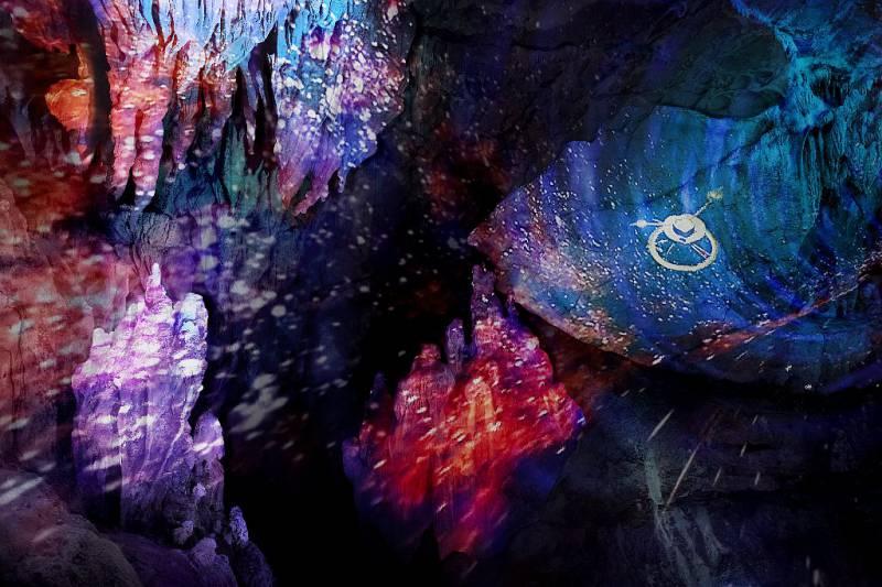 龍河洞-洞内-プロジェクションマッピング