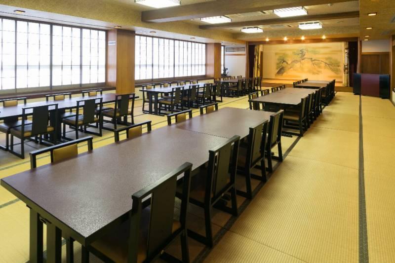 亀の間 約64畳 リバーサイドホテル松栄